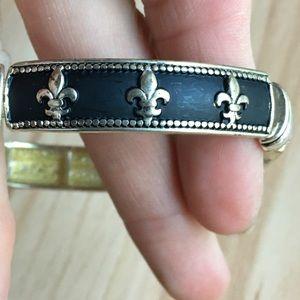 Vintage fleur de lis bracelet